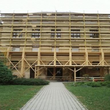 Régi épület állványozása